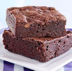 Este brownie de Nutella o Nocilla es facilísimo de preparar, con muy pocos ingredientes, aunque puedes personalizarlo a tu gusto con algunas ideas.