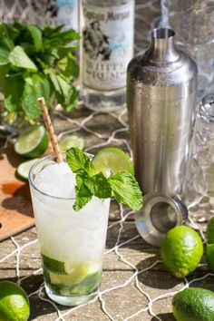 Sun's out rum's out! Enjoyi Woahitos made with a Captain Morgan White Rum recipe