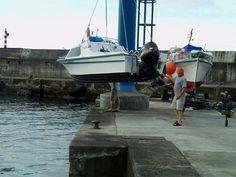 PORTO DA CALHETA: Leaozinho Zarpando do Porto da Calheta