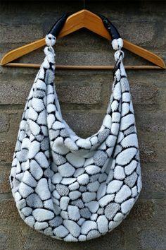 Plyšová kabelka na zip