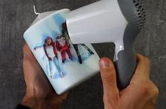 Geschenk-Idee: Mit Föhn ein Foto auf eine Kerze drucken.