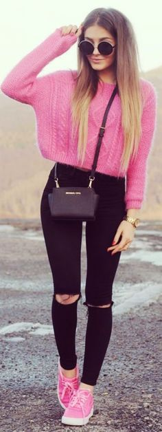 #Sweater #Pink #Winter #Fall    Sexy-and-Smart-Outfits-to-Try-This-Winter    Winter Outfits Ideas    Cute Winter Outfits    Pink Outfits ideas    Sweater Outfits Ideas   