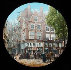 """Handgekleurde glasdia van het huis """"In Duizend Vreezen"""". Vervaardiger: Newton & Co 1880-1910. Rotterdam, Netherlands, Holland, Mansions, History, House Styles, Building, Instagram, Corse"""