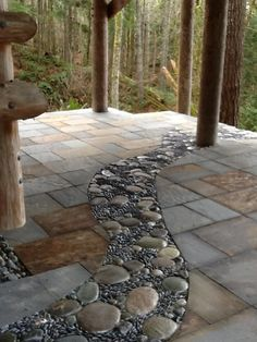 garten pflaster Just keep the stone winding path out from the house into the forest to a nice quite sitting area. Landscaping With Rocks, Backyard Landscaping, Landscaping Design, Slate Patio, Garden Landscape Design, Garden Paths, Outdoor Gardens, Modern Gardens, Small Gardens