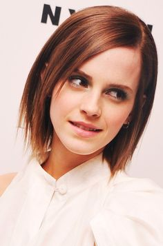 Emma Watson Medium Length Hairstyle: Layered Haircut but with hombre color