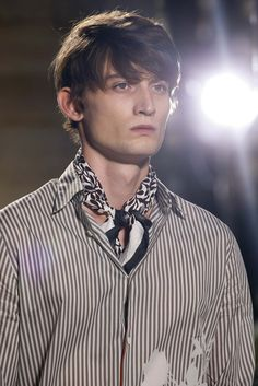 See detail photos for Hermès Spring 2016 Menswear collection.