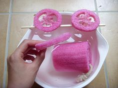 DIY cat dental chew toy   Boil and slice up an all-natural loofah, top with catnip and give to cats who love to chew!