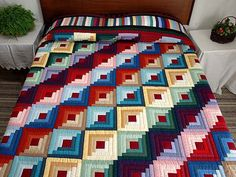 Amish Quilts | Almost Amish Log Cabin with Chinese Coins Quilt? Could play around with the colors, love the pattern!