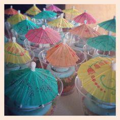 Tropical pineapple cupcakes