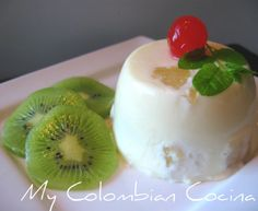 This a great dessert for the family or for a dinner party. I love the combination of fruit and cream flavours. Exotic fruit always provides a perfect Colombian Food, Colombian Recipes, Comida Latina, Exotic Fruit, Great Desserts, Mousse, Panna Cotta, Deserts, Goodies