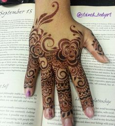 Stained - henna artist in Tampa Florida for bridal mehndi , henna tattoo , and henna design ebooks for the henna community. Bridal Mehndi, Mehendi, Henna Designs, Tattoo Designs, Shoulder Henna, Mehedi Design, Simple Henna Tattoo, Finger Henna, Henna Body Art