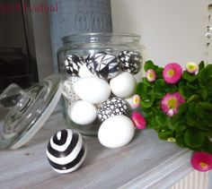 InDIYvidual: Black & White Easter Eggs