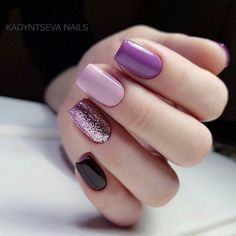 What Christmas manicure to choose for a festive mood - My Nails Fancy Nails, Love Nails, How To Do Nails, Pretty Nails, My Nails, Gelish Nails, Purple Nails, Black Nails, Purple Glitter