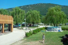 Op zoek naar een kleine camping in Slovenie? Ten zuiden van de Soca rivier verbleven we op Camp Lijak. Een ideale uitvalsbasis om Slovenie te ontdekken.