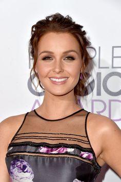 Camilla Luddington   People's Choice Awards 2015