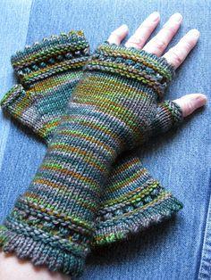 Ravelry: h2onina's plaid blanket mitts