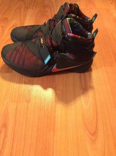 brand new 071e4 e482d Lebron James-Soldier 9. Nike box Included. Simply Outgrew -Size 6.
