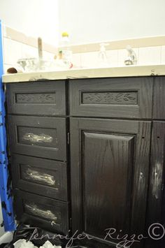 Jennifer Rizzo: The Oak House Project....Updated bathroom cabinet makeover...
