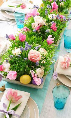 lentefeest of communiefeest tafeldecoratie met lente thema inspiratie fleurige tafeldekking