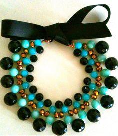 collana Turquoise Black,  decolletè tessuto a mano, con cristalli e pietre naturali