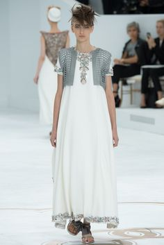 Chanel Fall 2014 Couture Fashion Show - Waleska Gorczevski (OUI)