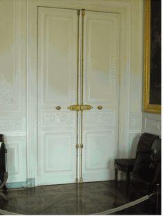 Cremone Bolt Examples, Versailles