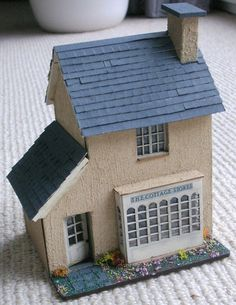 quarter scale dollhouse