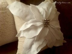 Sew a Pottery Barn inspired poinsettia pillow