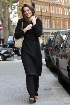 Kate Middleton, qui épousera le prince William le 29 avril 2011, a progressivement affiné, au propre comme au figuré, sa silhouette au cours des années. Le 10 novembre 2006 dans Londres.
