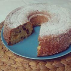 Ciambella con ricotta e uvetta / Cake w/ ricotta cheese and raisin! The recipe is up on my blog #solozuccheriacolazione