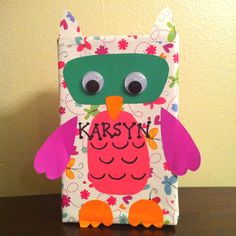 Gonna make Kylie & MeMe this cute owl valentines box to put their valentines day cards to their friends & classmates at school Valentine Day Boxes, Valentines For Kids, Valentine Day Crafts, Happy Valentines Day, Holiday Crafts, Holiday Fun, Holiday Ideas, Happy Hearts Day, Homemade Valentines