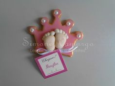 Ímã de geladeira Pezinho de Princesa Baby Shawer, Polymer Clay Projects, Baby Crafts, Little Babies, Creations, Clay Magnets, Cute Clay, Ideas, Pasta Flexible