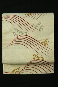 White Fukuro Obi (Rokutsu), Gold and Silver Rouge Pattern / 白地 金銀臙脂の波文柄 六通袋帯   #Kimono #Japan http://www.rakuten.co.jp/aiyama/