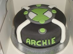 Ben 10 Cake for Ethan's birthday 10 Birthday Cake, Bithday Cake, Birthday Treats, Sons Birthday, Birthday Gifts For Teens, 10th Birthday Parties, Bolo Do Ben 10, Ben 10 Cake, Ben 10 Party
