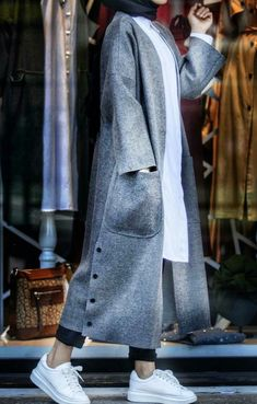 Hijab Fashion 640566746979609073 - Source by laazizahania Abaya Fashion, Muslim Fashion, Modest Fashion, Fashion Dresses, Fashion Clothes, Hijab Chic, Iranian Women Fashion, Fashion Women, Blazer Outfits Casual