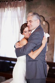 Family wedding photos with father / http://www.himisspuff.com/family-wedding-photo-ideas-poses-bridal-must-do/3/