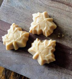 Maple Syrup Candy Recipe, Maple Dessert Recipes, Easy Candy Recipes, Maple Syrup Recipes, Easy Desserts, Maple Fudge, Cream Candy, Candy Cookies, How Sweet Eats