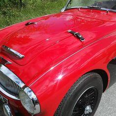 Nice motor, with luggage straps! #vroomvroom #redcar #austinhealey #straps #instacar #redmotor #red #bilar #motorcar #car #cars #instared #bonnet #hood #nicecar #finland #summer #classic #classiccar #dreamcar #sixties #britishmotorcars #motor #opentop #austin #austinmotors #carpic #carporn #carsofinstagram #vintagecar Finland Summer, Austin Healey, Luggage Straps, Vroom Vroom, Car Pictures, Motor Car, Vintage Cars, Cool Cars, Dream Cars