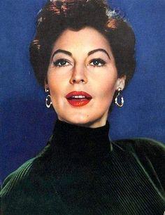 Still Beautiful, Ava Gardner! Old Hollywood Stars, Hollywood Icons, Vintage Hollywood, Hollywood Glamour, Classic Hollywood, Hollywood Divas, Ava Gardner, Franck Sinatra, Tv Movie