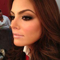 Ximena Navarrete Brown smoky eye