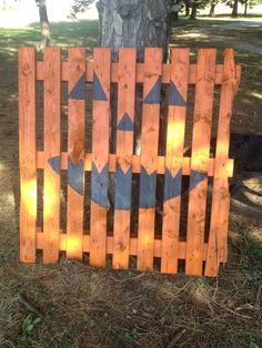 diy pumpkin pallet | Pumpkin Pallet pumpkin pallet, pallet projects halloween, pallet craft ...