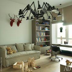 Мебель для игровой комнаты Полина специально выбирала нейтральную, предвидя, что…