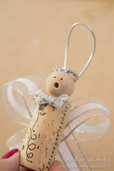 Day 4 Cork Angels Tutorial - create cute angels using cork and ribbon Wine Craft, Wine Cork Crafts, Wine Bottle Crafts, Wine Cork Ornaments, Xmas Ornaments, Christmas Tree Decorations, Homemade Christmas, Christmas Art, Christmas Projects