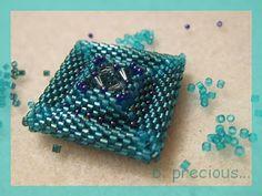 b. precious...: Das Q