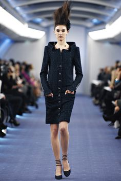 Chanel | Spring 2012 Couture Collection | Jacquelyn Jablonski Modeling | Style.com -buttons start lower down