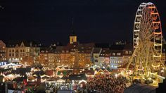 biggest german christmas market of germany:  Erfurt Weihnachtsmarkt -- repinned by www.mybestgermanrecipes.com