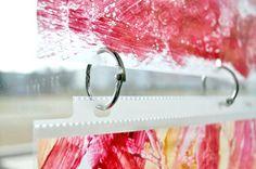 Using sheet protectors and binder rings plastic document, art classroom display, classroom art display ideas, sleev, display art, student work, art display in classroom, classroom window, art classroom organization