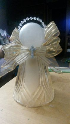 Woodworking For Beginners Learning Glass lampshade angel.Woodworking For Beginners Learning Glass lampshade angel Christmas Ornaments To Make, Angel Ornaments, Christmas Angels, Christmas Art, Christmas Decorations, Christmas Neighbor, Homemade Christmas, Ceiling Fan Globes, Glass Light Globes