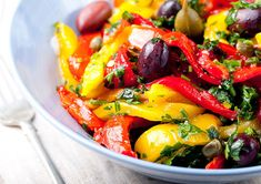 Glutamine, glutamate, diet and cancer, rainbow diet Grilled Vegetable Salads, Grilled Vegetables, Healthy Salad Recipes, Diet Recipes, Vegetarian Recipes, Rainbow Diet, How To Cook Quinoa, Safe Food, Meal Planning