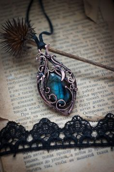 Wire wrapped pendant Labradorite boho pendant Copper pendant Wirewrap Copper jewelry labradorite necklace gift for her gift for girlfriend Copper Jewelry, Cute Jewelry, Jewelry Accessories, Jewelry Design, Copper Wire, Wire Wrapped Pendant, Wire Wrapped Jewelry, Nagel Tattoo, Beauté Blonde